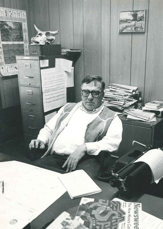 Bob Litton in office at Monahans News in 1980